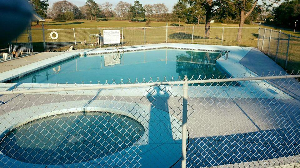 headland country club pool